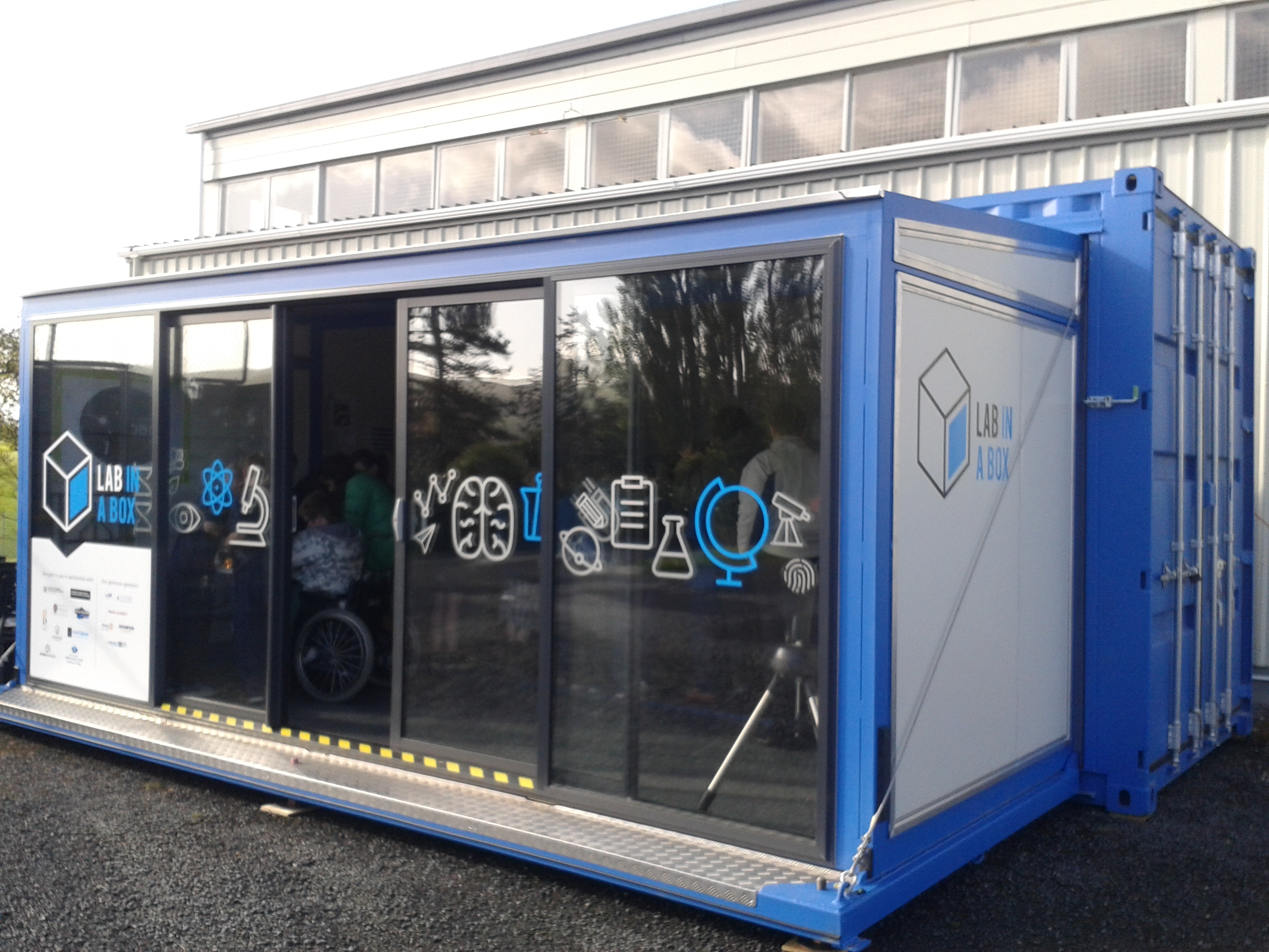 """Catlins Area School """"light up"""" Lab-in-a-Box  – Lab in a Box"""